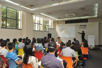 Lecture at 100% Design Shanghai by Daan Roosegaarde